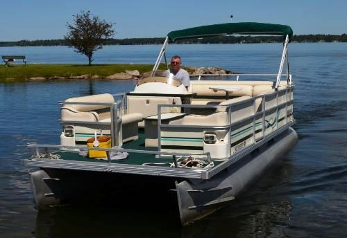 Read more: 1999 Crest II Pontoon Boat